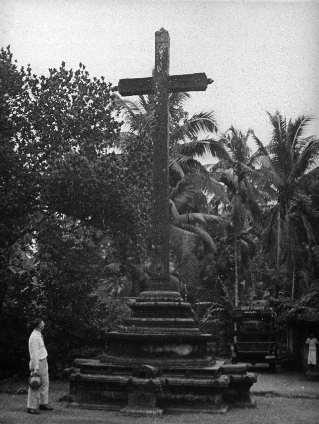 Church of South India is Born. Scene 16: cross at Travancore