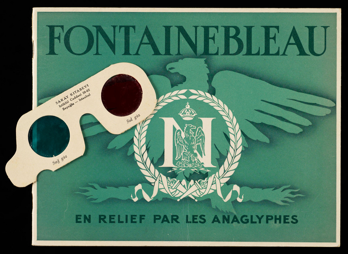 Fontainebleau en relief par les anaglyphes. Cover of book with glasses next to it